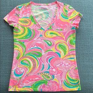 Lilly Pulitzer V neck Tshirt